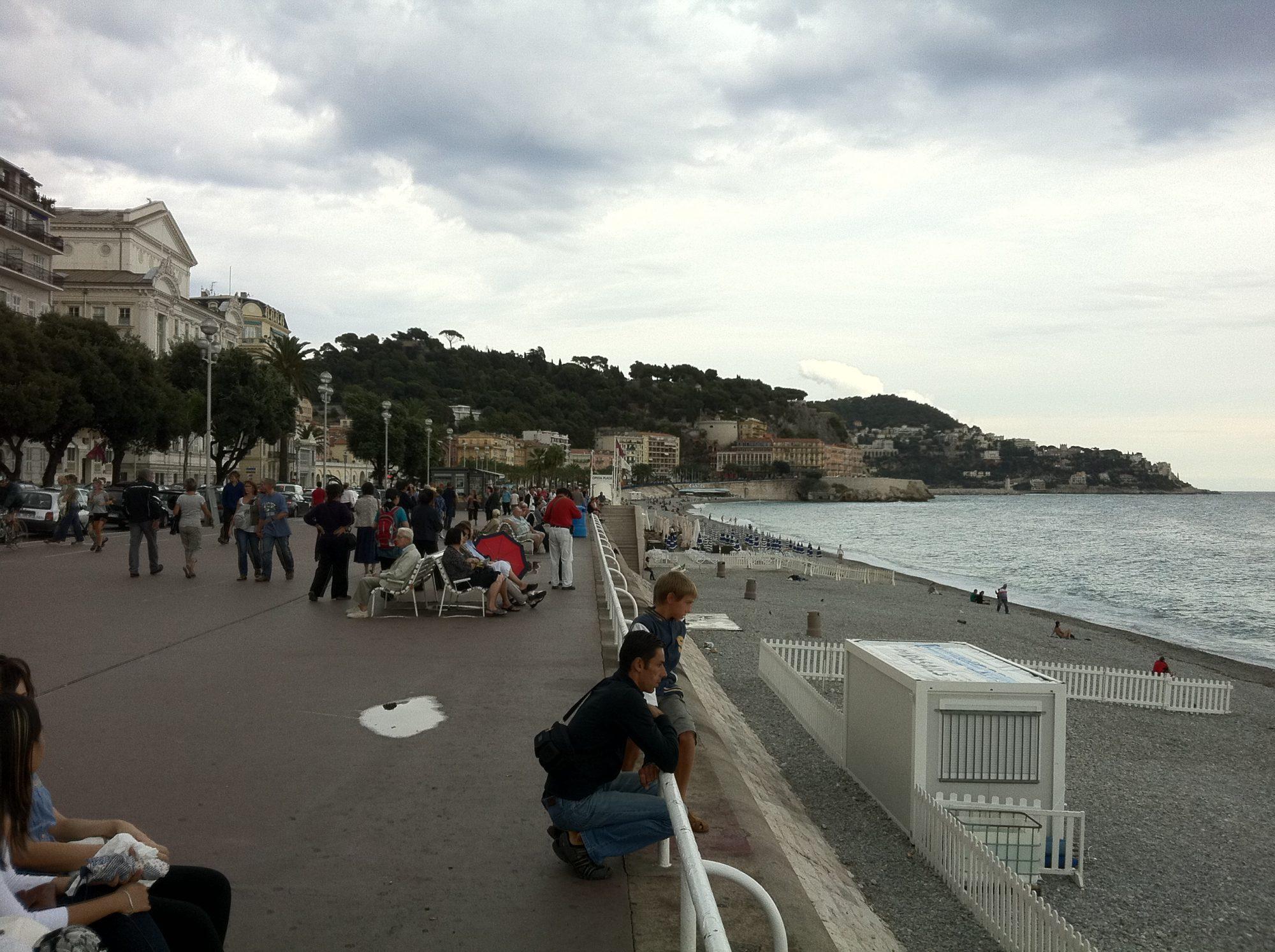 前往法國的遊客現在必須支付COVID-19測試費用
